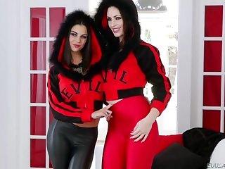 Mozenrath Presents : Low-spirited Busty Bonnie Rotten And Sarah Shevon Low-spirited Red Girls Casting
