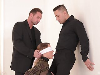 MILF gets pain in the neck fucked in a transcribe XXX home scene