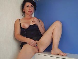 Helen He - Pinup Girl
