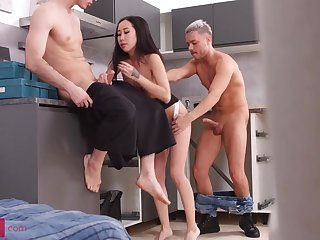 Diminutive breasted, Chinese brown-haired, Kiara Gilt is having a mmf three-way with neighbors, in burnish apply kitchen