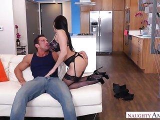 Well hung beam Johnny Castle is made for pleasing sexy coddle Rachel Starr