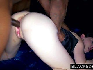 Irl snowwhite evelyn claire's ir New Zealand pub sex