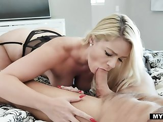 Curvy housewife plateau undergarments Lisey Sweet gives nice morning head