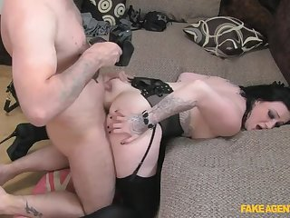 A Mouthful Of Bushwa For Rude Brunette