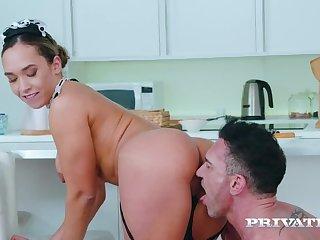 Briana Banderas, Demoiselle on a Chore