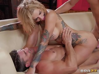 Top-drawer and quite wild nympho Bonnie Rotten feels good being fucked hard
