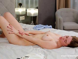 Fantasize bedroom solo while fingering
