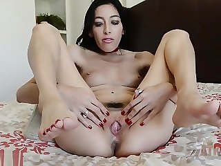 A Real Interview With Latina Babe Kimberly Gates