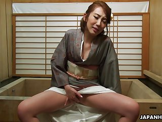 Sexy geisha Aya Kisaki enjoying some me time after work added to she's so zooid